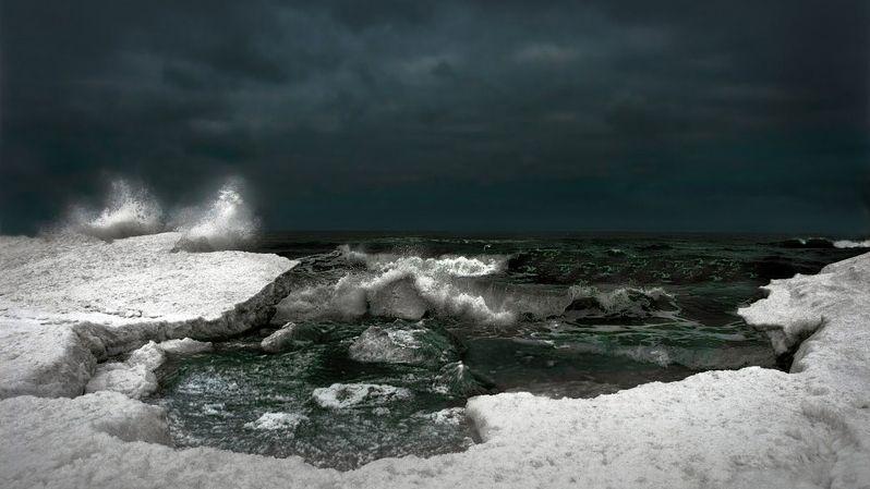 Obrazy Morza według Waldemara Grzelaka. Wystawa w Łebie