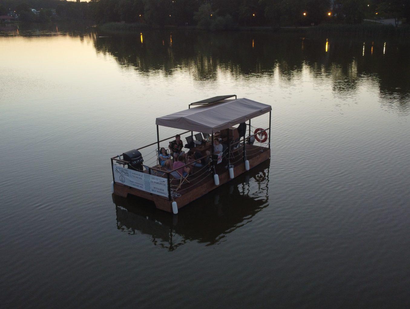Studenci z Trójmiasta stworzyli pływającą platformę